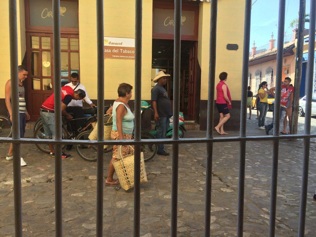 Shopping på Cuba er vanskelig. Det er lite utvalg av alt