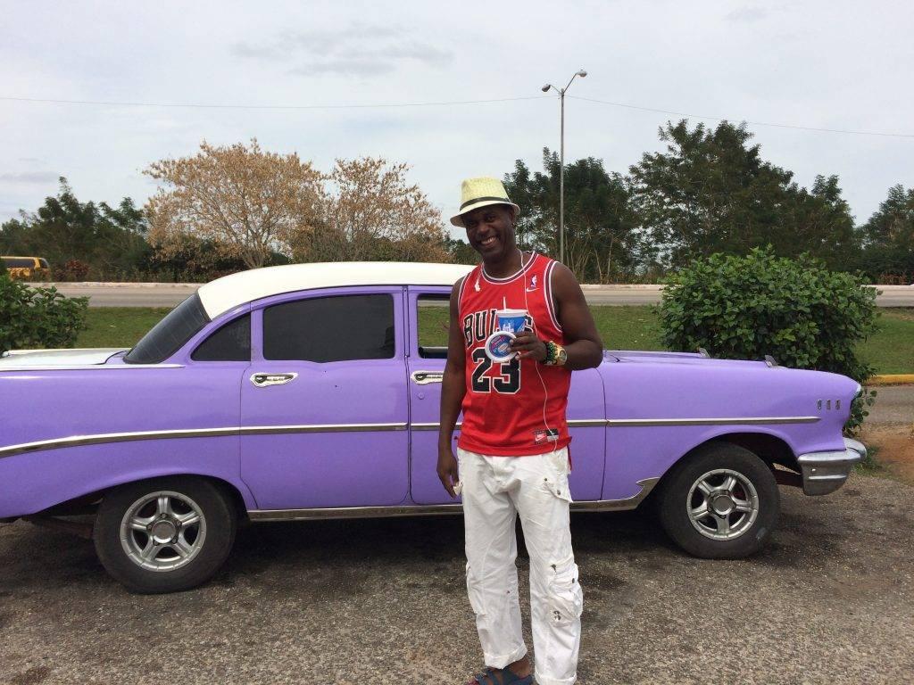 Lilla chevorlet. gamle biler på Cuba er et herlig skue