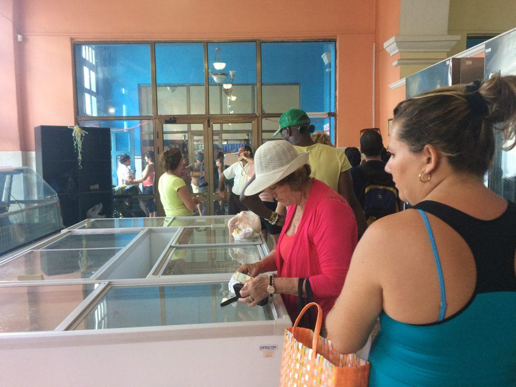 mer kø på Cuba