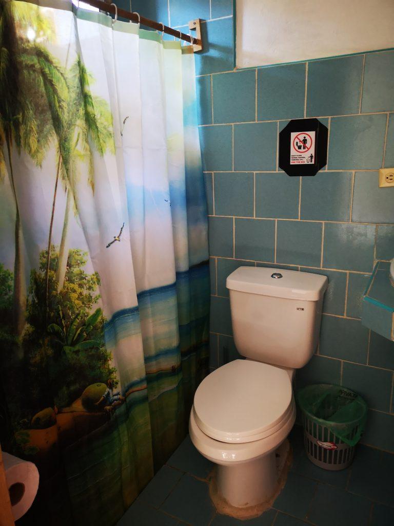 Toalett en suite. Norske gjestehus på Cuba