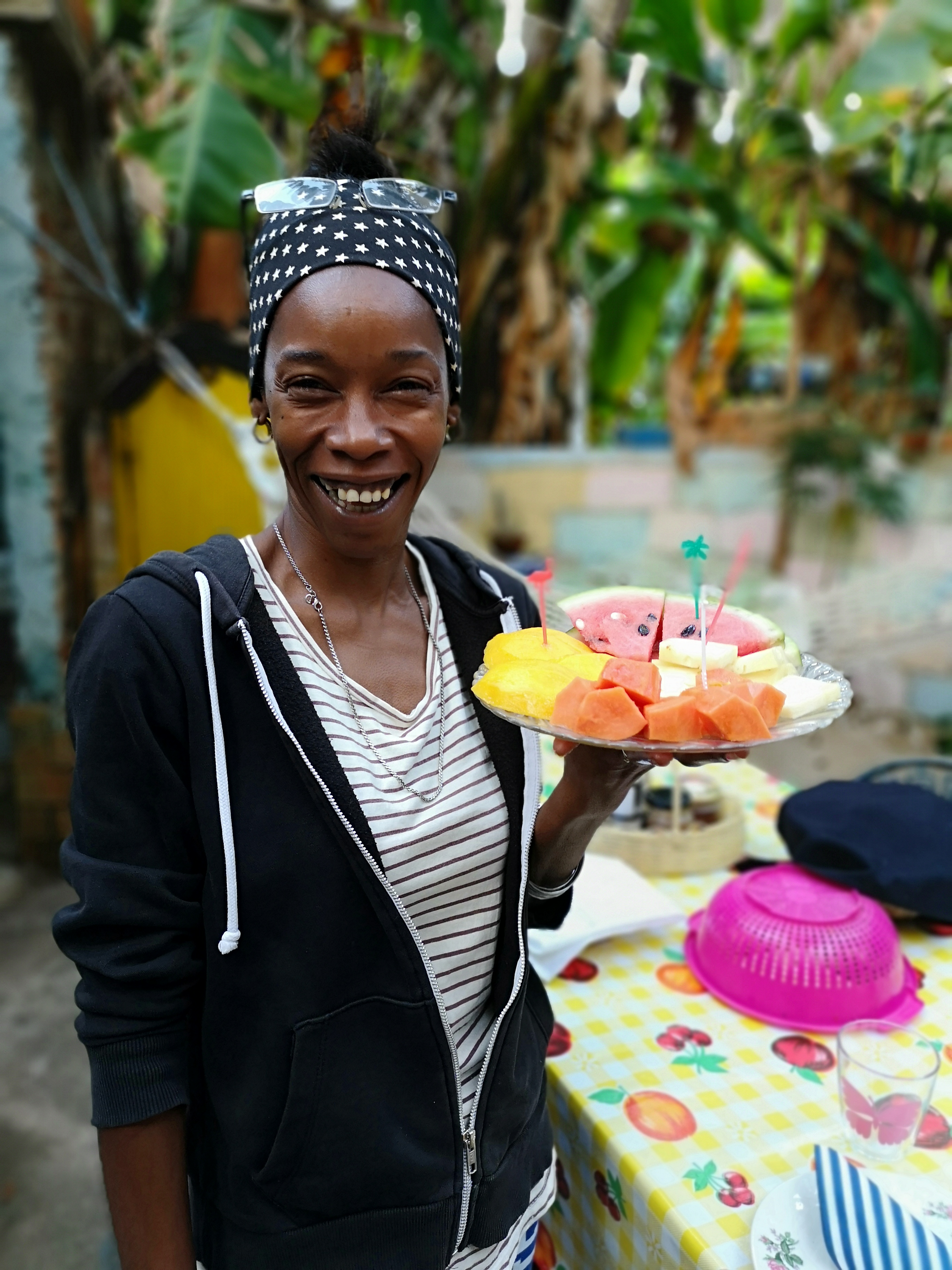 Taymara serverer frokost og tilbyr kurs i medisinske planter