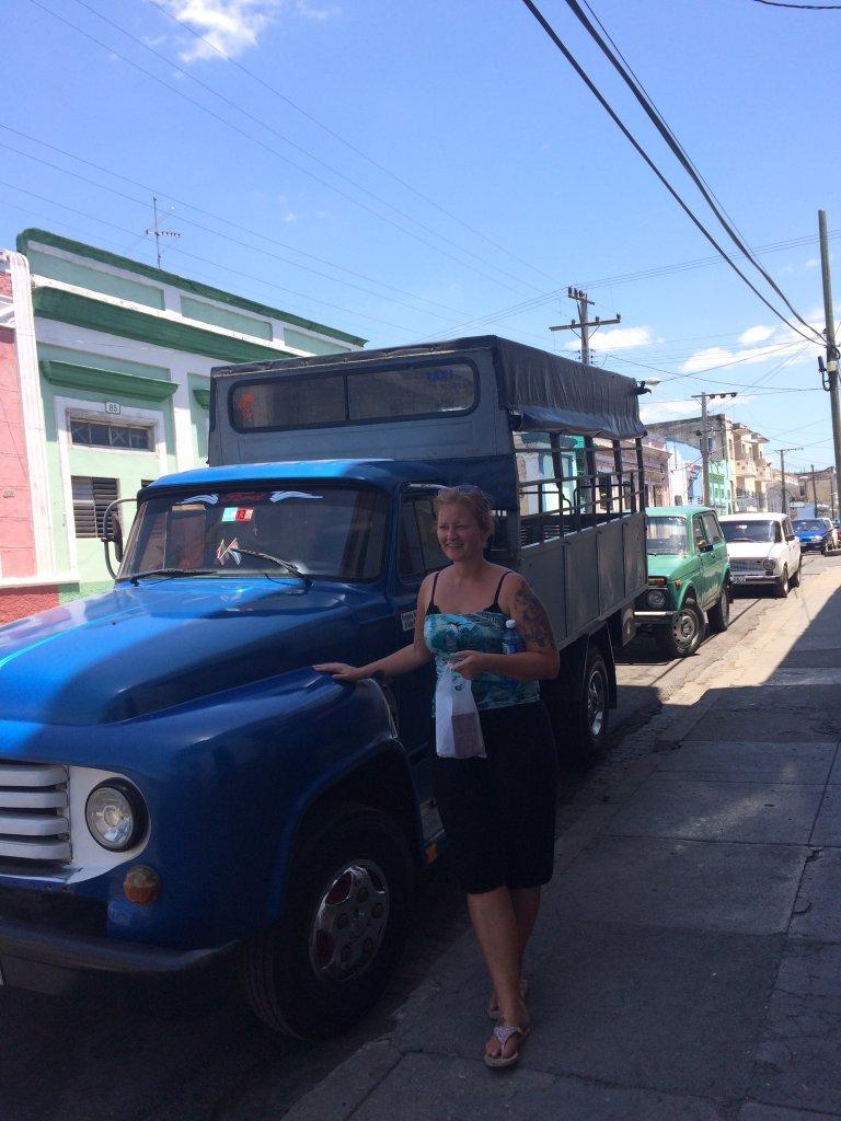 Vår blå lastebil ble taxi for mange cubanere