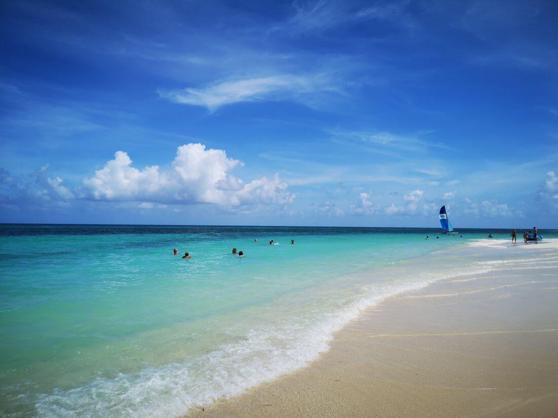 Guardalavaca ligger nord på Cuba