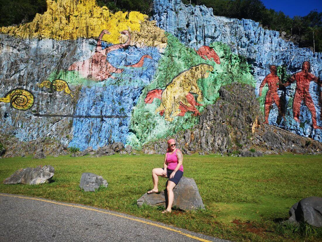 Mural de la pre-historia er en av de mest kjente turistattraksjonene i Vinales